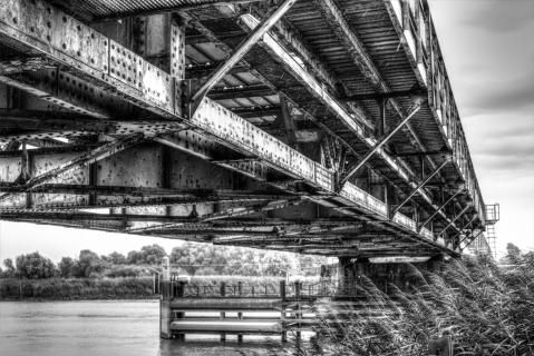 Friesenbrücke im Regen