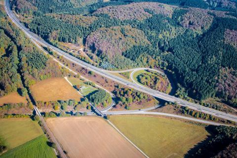 Autobahn A33
