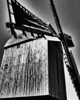 Kampf gegen Windmühlen