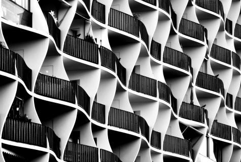 Wellen-Fassade