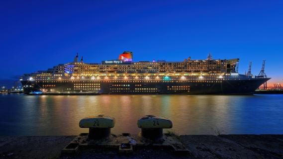 *Queen Mary 2*