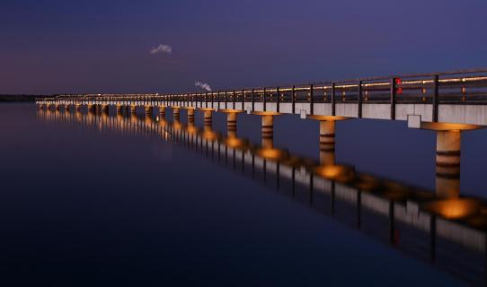 Brücke in die Nacht