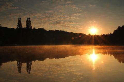 Sonnenaufgang am Kaufunger Steinertsee
