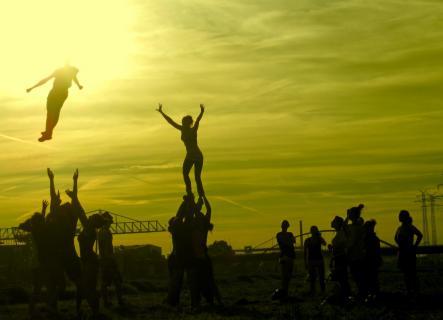 Sun-stunts