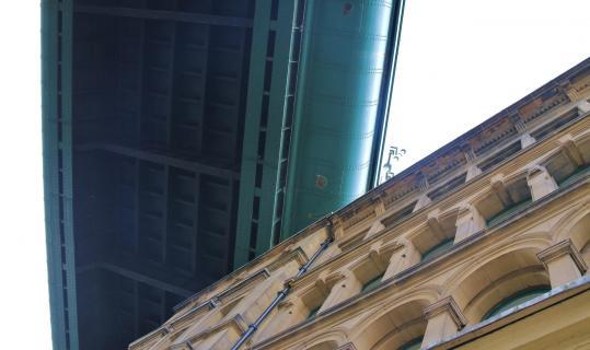 Newcastle - Brücke über Haus