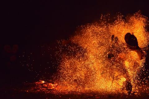Feuertanz in Papua-Neuguinea