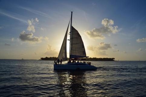 Segeln bei Sonnenuntergang auf Key West