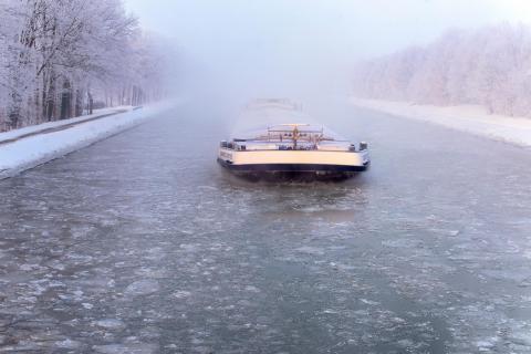 Früher Morgen -20 Grad am Mittellandkanal