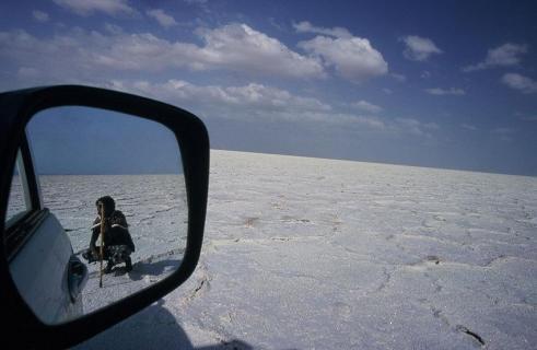 Nomade im Rückspiegel, Danakil, Äthiopien
