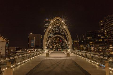 Brückenlicht über dem Yarra River
