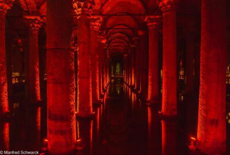 Leuchtende Unterwelt