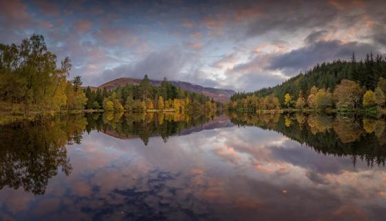 Herbstliche Spiegelung