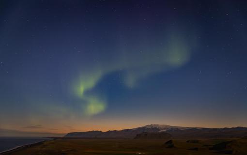 Island bei Nacht