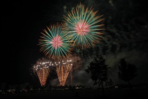 48 Feuerwerk Peter Nagel