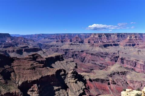 am Grand Canyon South Rim