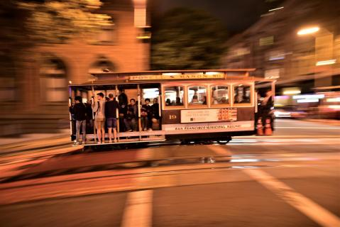 Cable- Car Ritt in der Nacht