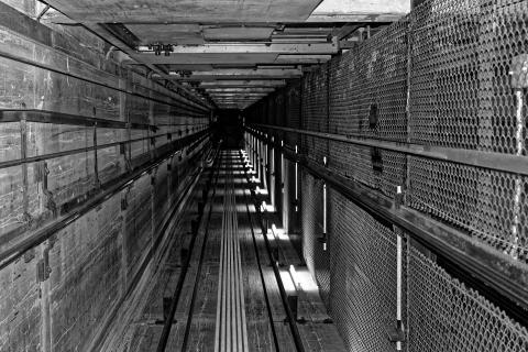 Aufzugsschacht 1