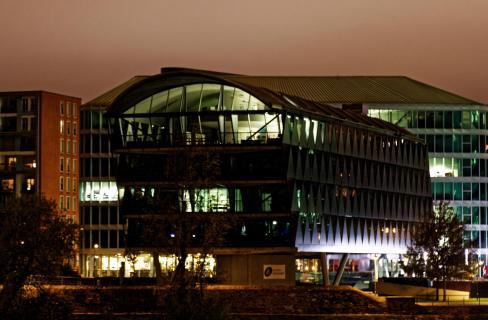 Gebäude am Westhafen