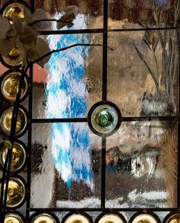 blau weßes bayrisches Kneipenfenster