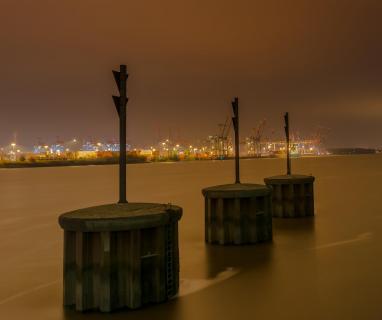 Hamburger Hafen bei Nacht 3