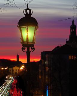 Blaue Stunde in der Stadt