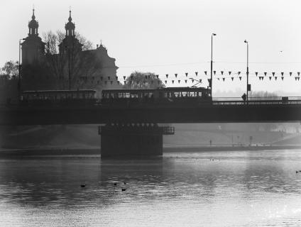 Morgendunst über dem Vistula Fluss