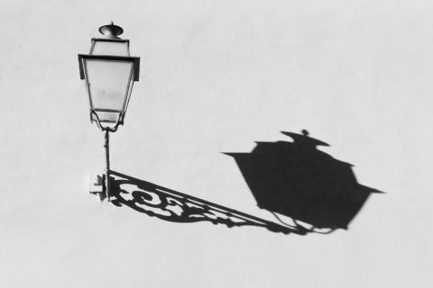 Lampe mit Schatten