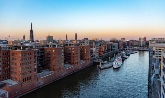 Abendstimmung über Hamburg