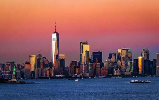 Skyline von Manhattan zur Blauen Stunde