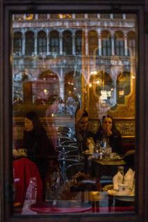 32_DURCH GLAS FOTOGRAFIEREN_Gabi_Wurst