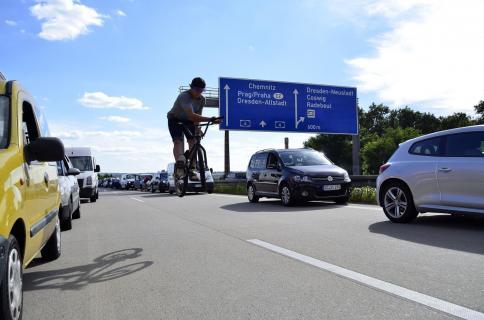 Barspin auf der Autobahn