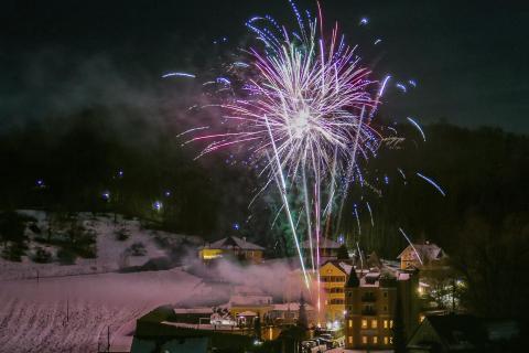 Feuerwerk zu Mitternacht