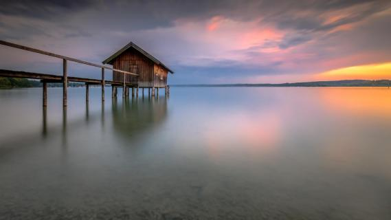 Fischerhütte am See
