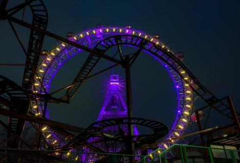Riesenrad bei Nacht