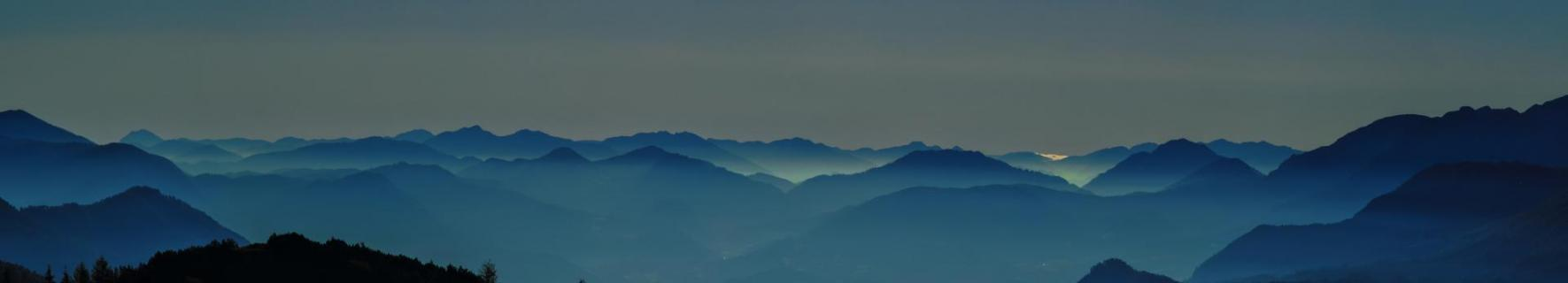 Frühnebel über dem Alpenvorland