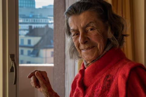 06_Porträt am Fenster_Susanne_Baumberger