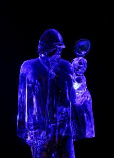 11_das-Hauptmotiv-hat-eine-Farbe-Blau_Konstanze_Junghanns