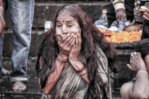 Frau am Ganges