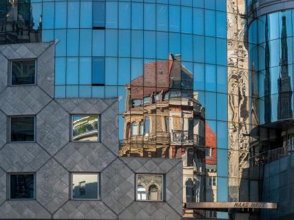 Spiegelung Dom_Wien
