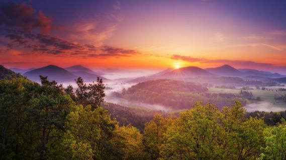 Sonnenaufgang am Geierstein