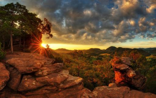 Sonnenaufgang am Sprinzelfelsen