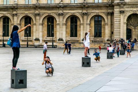 Selfie Inception in Paris