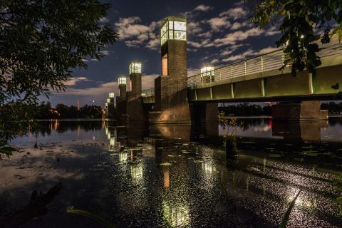 Die Spandauer-Seebrücke bei Nacht...