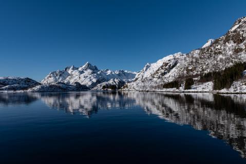 Norwegen Sortland_Spiegelung_Berg_2019 (1 von 1)