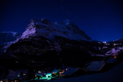 Nachtlandschaft Grindelwald mit Eiger, Berner Oberland