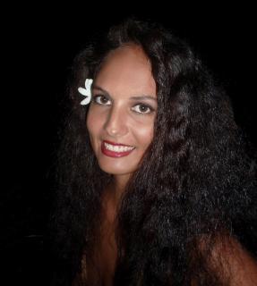 Schoene Maid aus Tahiti