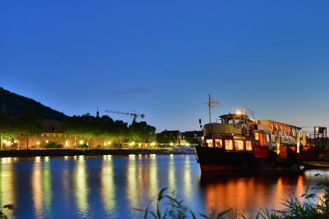 Schiff am Neckar