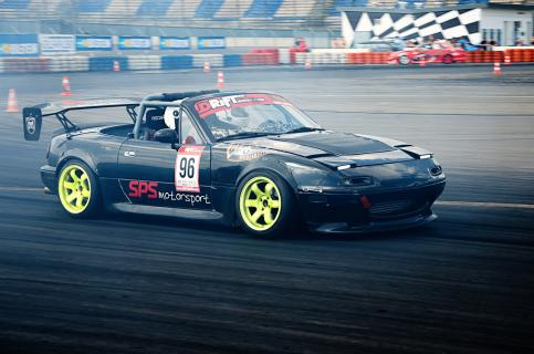 Mazda Vorbeifahrt