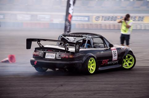 Mazda drifting