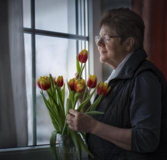 06 ein Portrait am Fenster Friedrich_Fuchshuber